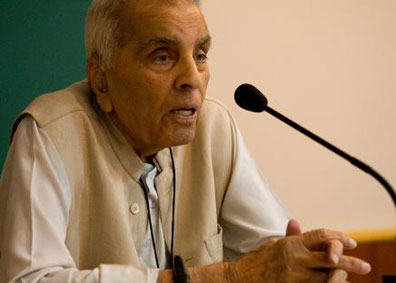 DD Urdu Interview with Rajinder Sachar (Video)